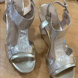 Guess wedges size 10